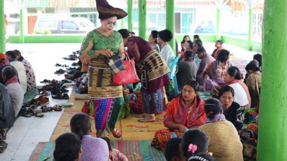 Translate Bahasa Batak Karo ke Indonesia | Blog Ling-go